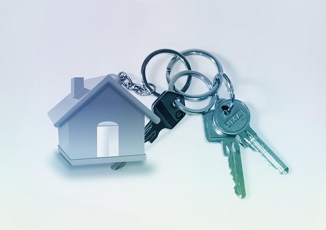 dům a klíče