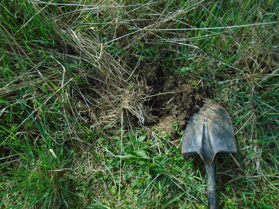 kopání rýčem